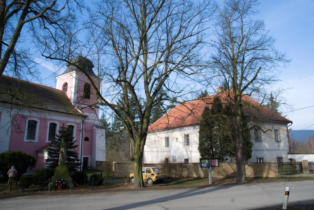 Zbečno kostel sv.Martina, fara